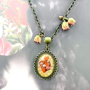Sacred Heart necklace with real roses