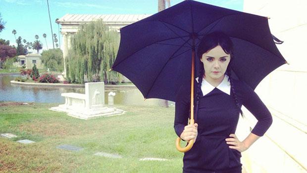 Vandinha Addams cresceu e ganhou uma websérie.