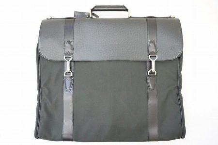 【買取情報】男のビジネスシーンをエレガントに!出張、旅行にも使えるルイヴィトンのガーメントバッグ。