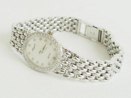 平和堂のダイヤベゼルが華やか。K18ホワイトゴールド製レディース腕時計を買取しました