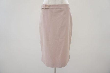 淡いピンクが優しい色合いのフェラガモのスカートを買取いたしました