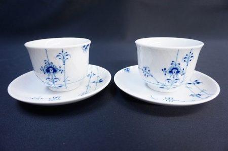 人気シリーズを日本の食卓にカジュアルに取り入れて。ロイヤルコペンハーゲンのブルーフルーテッドプレインの湯呑&プレート