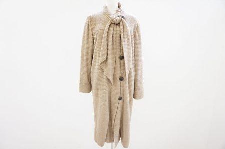 エレガントで高いデザイン性の斉藤都世子のニットコートを買取いたしました