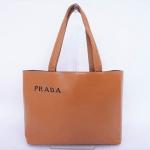 使うほど色艶が増し柔らかく自分仕様になる素敵シンプルバッグ!!プラダ PRADA