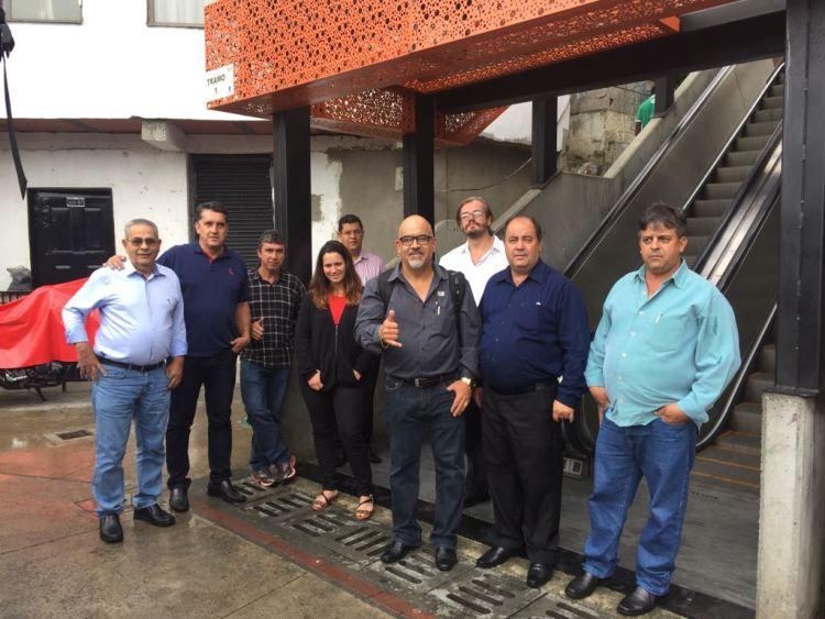 Transformación social de Medellín atre a funcionarios de Brasil