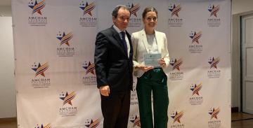 La ACI Medellín recibe reconocimiento al Mérito Cívico de la Cámara Colombo Americana