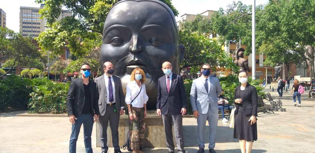 El nuevo Embajador de España en Colombia enfoca su atención en Medellín