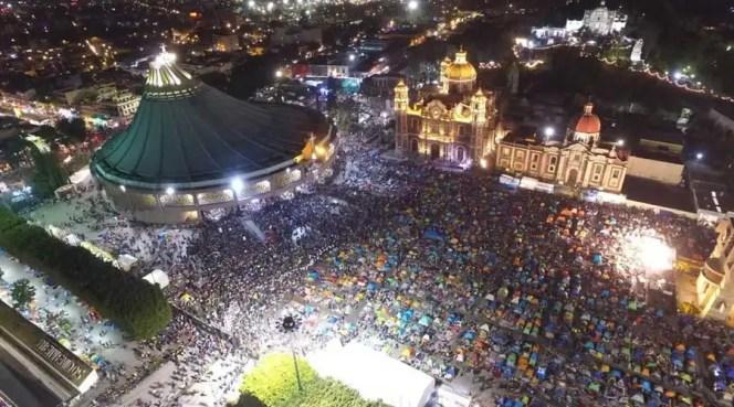 Basílica de Guadalupe y alrededores la noche del 11 de diciembre. Foto: Twitter / Protección Civil de Ciudad de México.