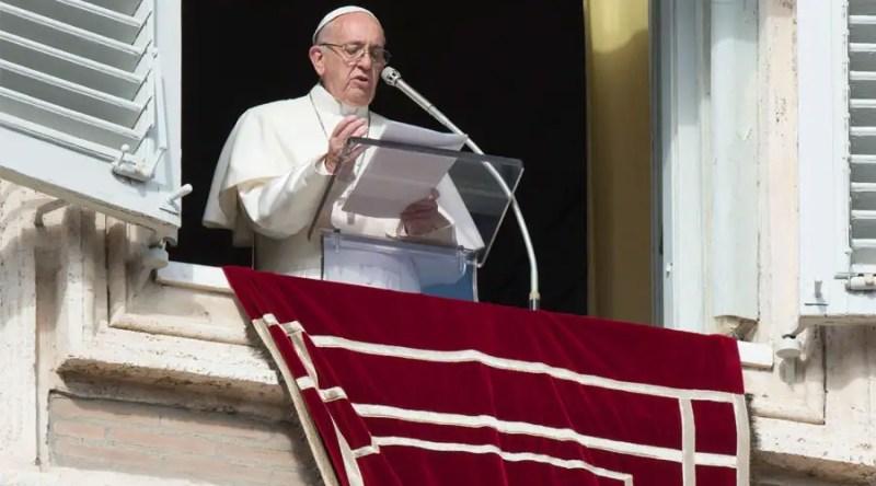 El Papa Francisco durante el rezo del Ángelus. Foto: Vatican Media