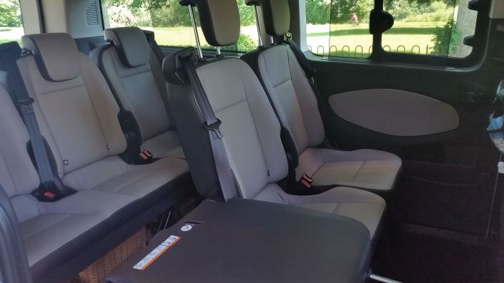 Spacious Executive MPV With Full Leather