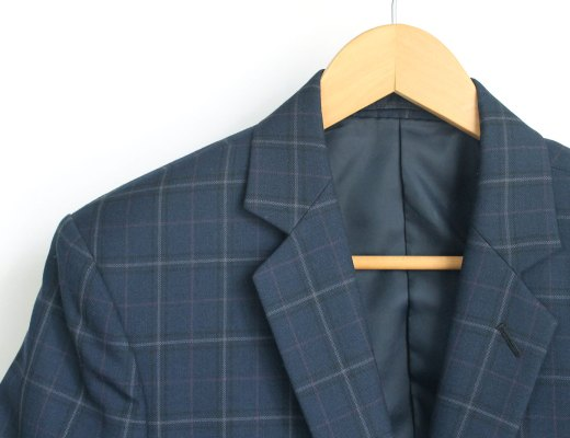 How to clean a suit jacket at home without dry cleaning