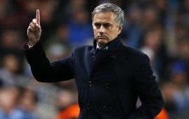Mourinho finds lifeline at incredible workstation