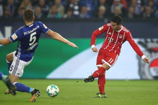 James stars as Bayern Munich win at Schalke
