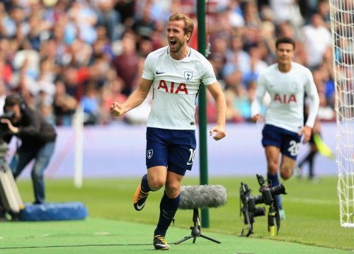 10 man Spurs survive late West Ham rally at the London Stadium