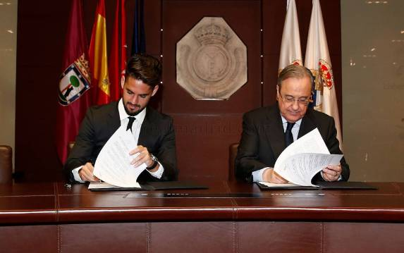 Isco signs new Real Madrid deal