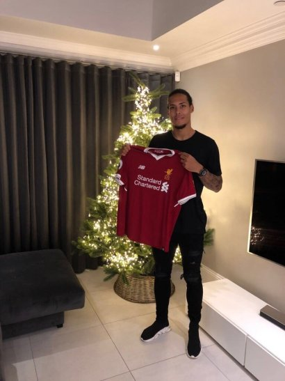 Premier League: Liverpool agree world record fee for Virgil Van Dijk