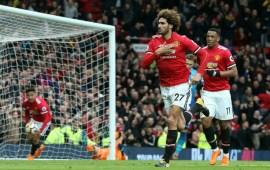 "Man Utd 2-1 Arsenal: ""lucky"" United see off Arsenal"