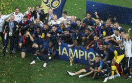 Russia 2018: Deschamps and France world champions again