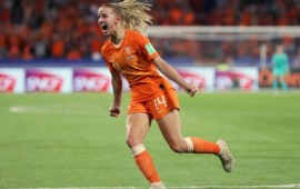 Groenen sends Netherlands to maiden FIFAWWC final