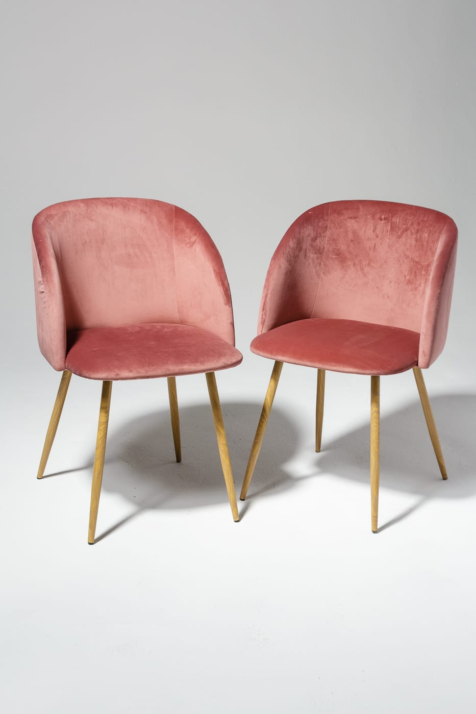 CH458 Coral Velvet Chair Prop Rental  ACME Brooklyn