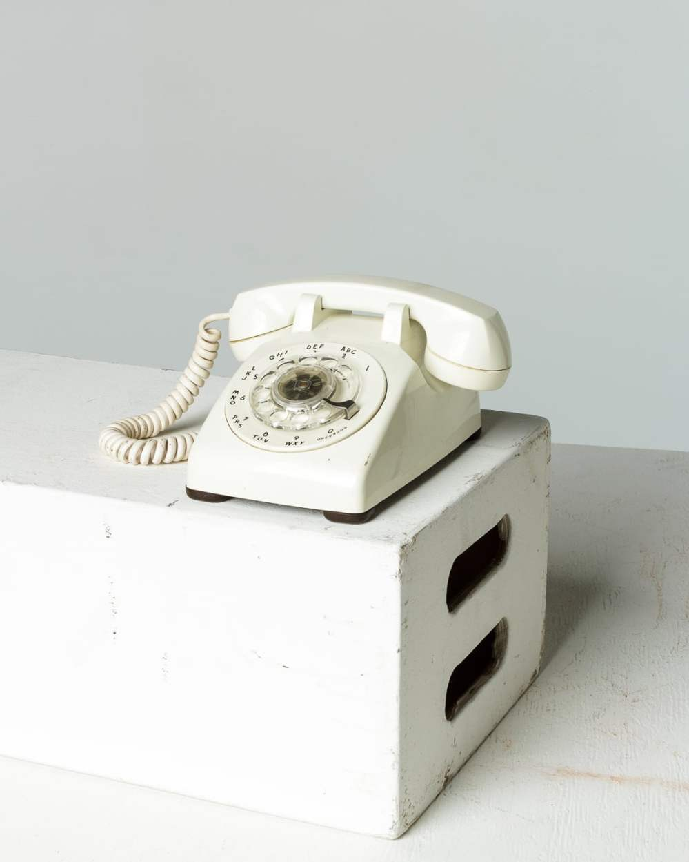 medium resolution of te044 white rotary phone