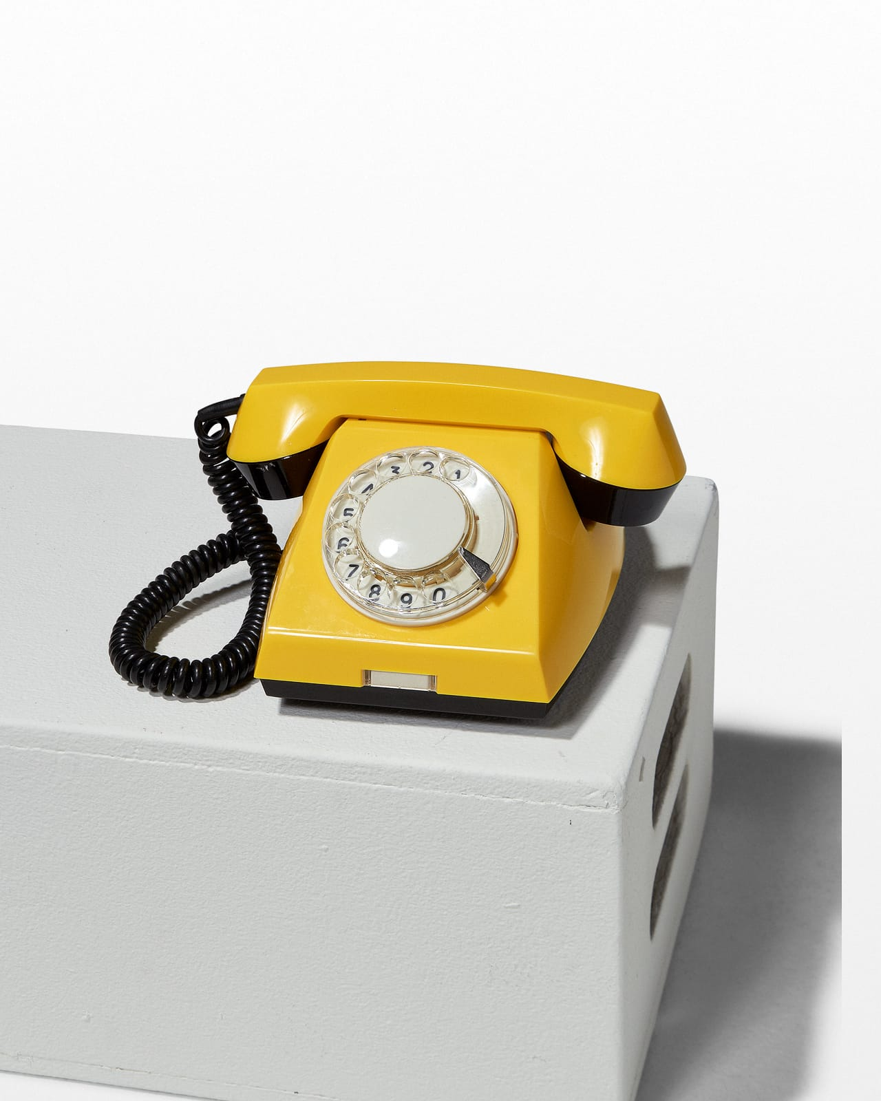 hight resolution of te057 canary yellow rotary phone