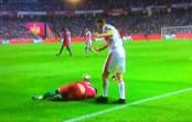 VIDEO – Lichtsteiner kicks Andre Silva in Portugal-Switzerland