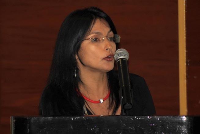 La Dra. Dianelys Quiñones, miembro del Comité Organizador del evento, interviene en el Congreso Internacional sobre la Resistencia a los antimicrobianos, del laboratorio a la clínica, en el hotel Meliá Habana, Cuba, el 26 de septiembre de 2018.