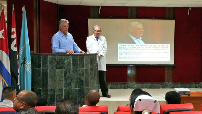 0718-Díaz-Canel recorre centros de salud-1.jpg