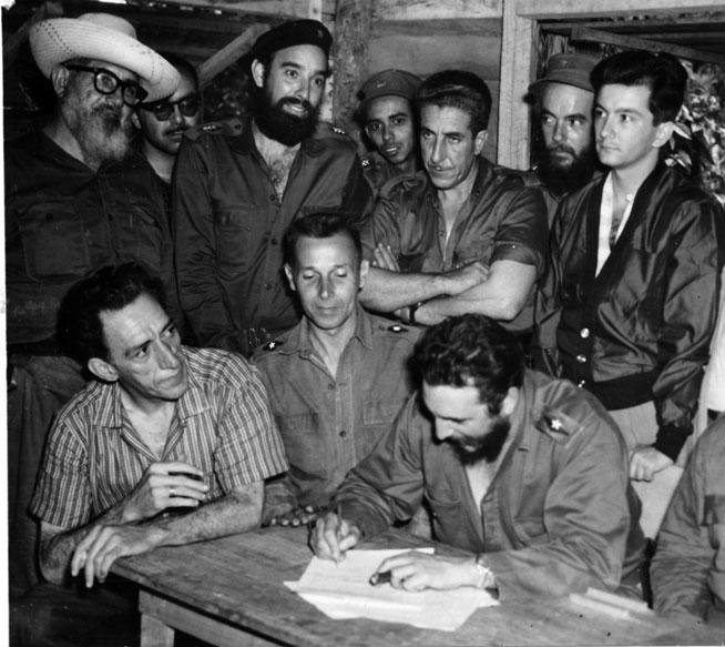 0517---Fidel--firma02_1.jpg
