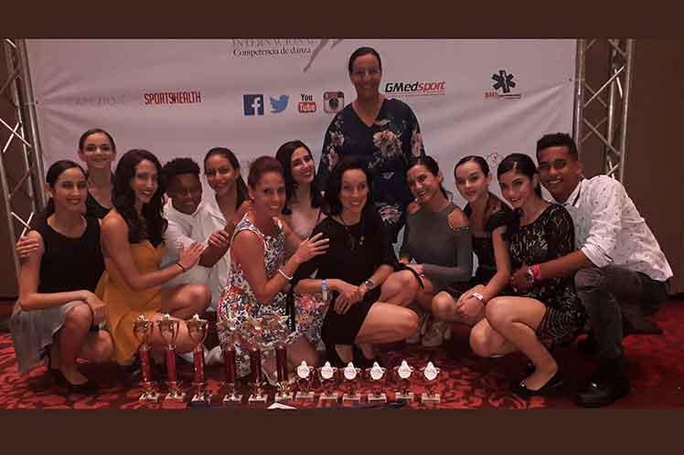 0902-premios-diamante-Panama-Lizt-Alfonso.jpg
