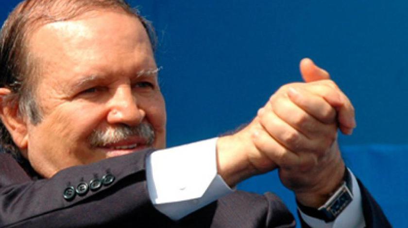 El general de Ejército Raúl Castro y el Presidente de la República de Cuba, Miguel Díaz-Canel Bermúdez, enviaron mensajes de condolencias por el fallecimiento del expresidente de Argelia, Abdelaziz Bouteflika, informó hoy la cancillería de la Isla.