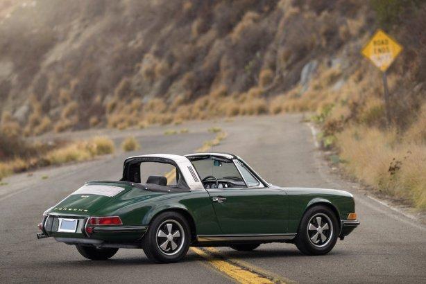 1968_Porsche_911_S_2_0_Targa_classic_911s_3600x2401