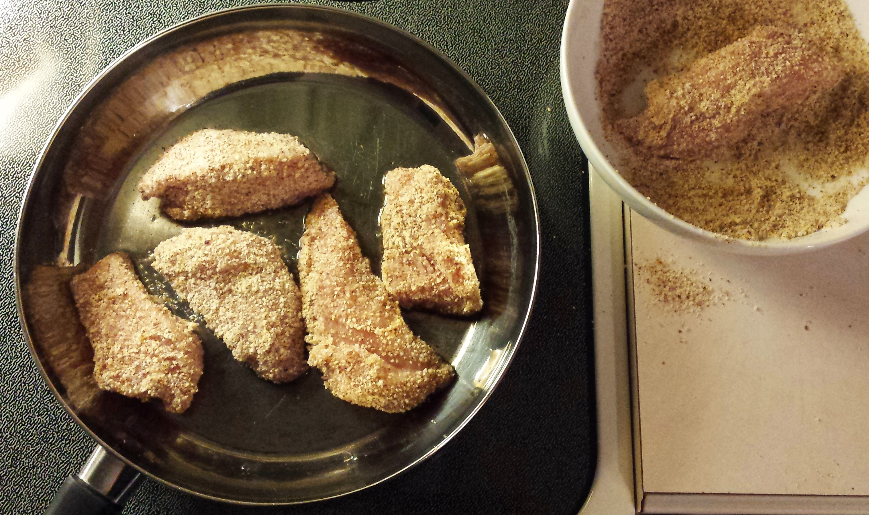 Almond-Crusted Chicken Tenders with Cayenne and Lime Honey Dipping Sauce 2
