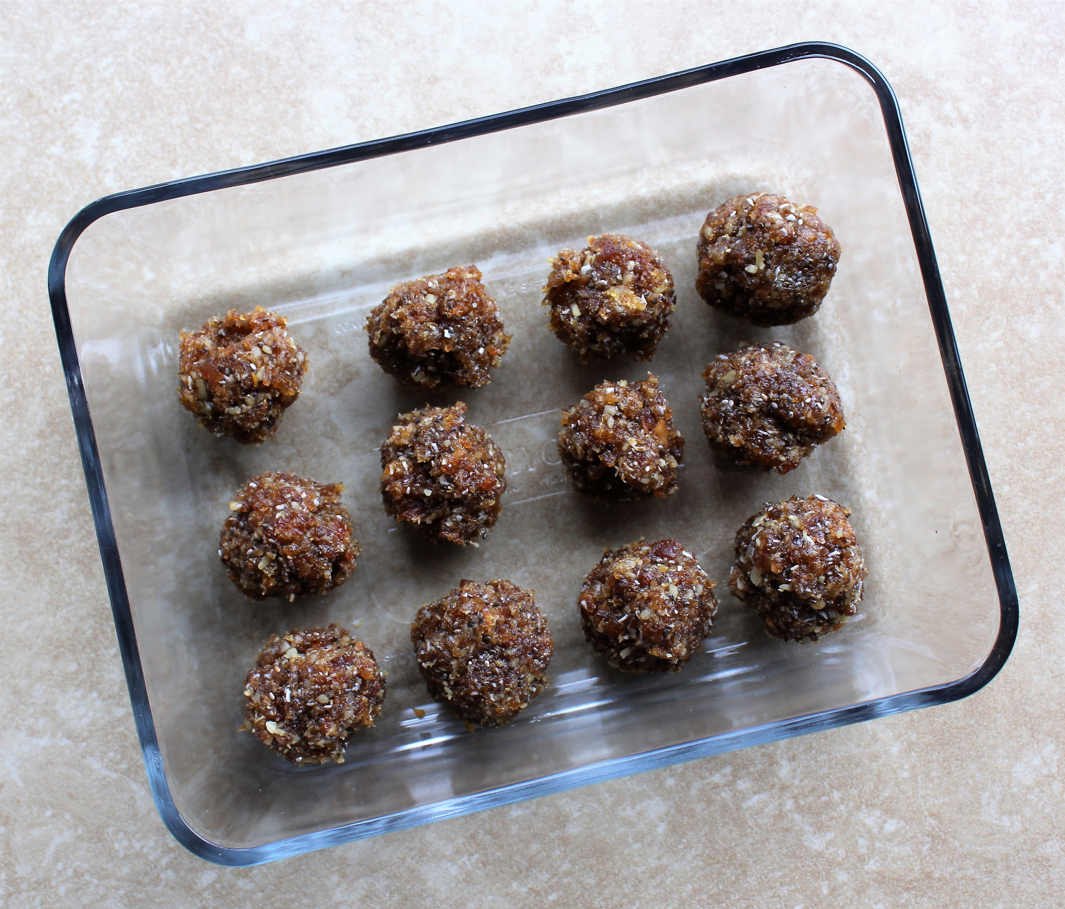 Apricot-Date Energy Balls 3