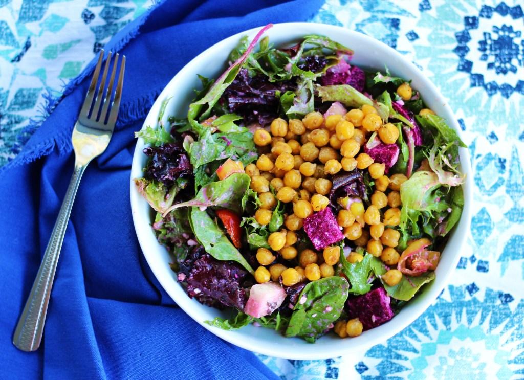 Zesty Greek-Inspired Salad with Crispy Chickpeas
