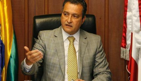Governador lamenta morte de família em desabamento de imóvel