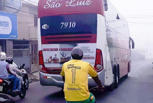 Passageiros e motoristas que seguiam de Goiânia para Aracaju são assaltados na BR-101