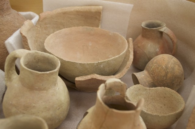 Excavated pots from the Bad Adh-Dhra Tomb (photo Kersel)