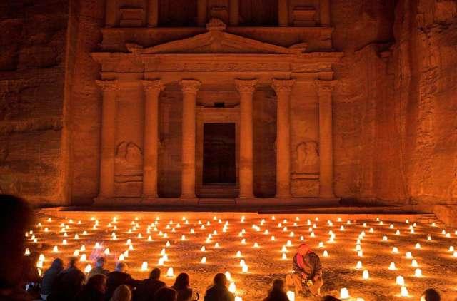 Petra_night