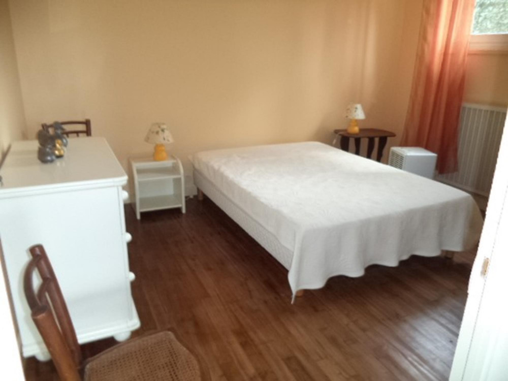 Appartement en rezdejardin en location vacances  ST JEAN DE LUZ
