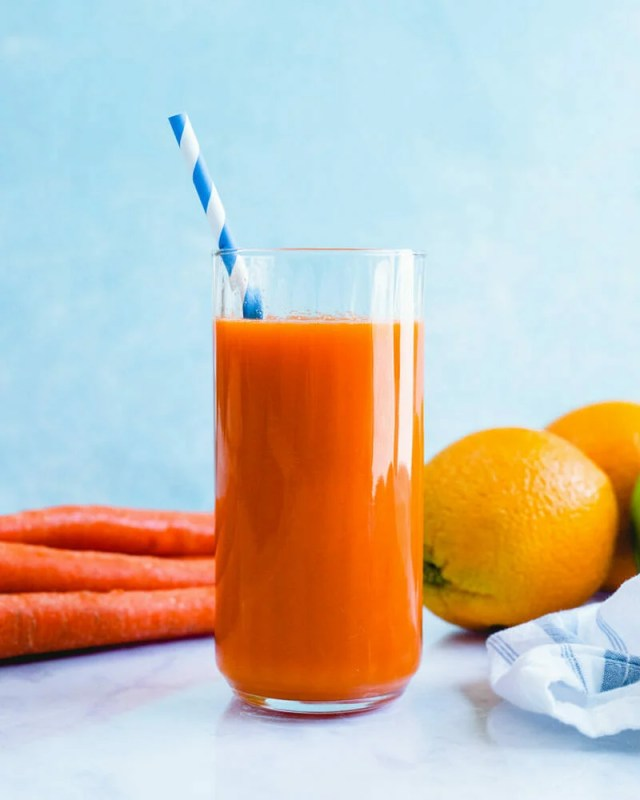 Carrot Juice (in a Blender!)