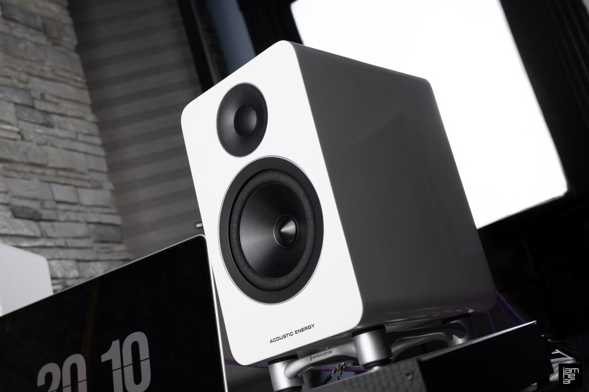 Acoustic Energy AE1 Active reviewed by aimhear, a Russian Blogger