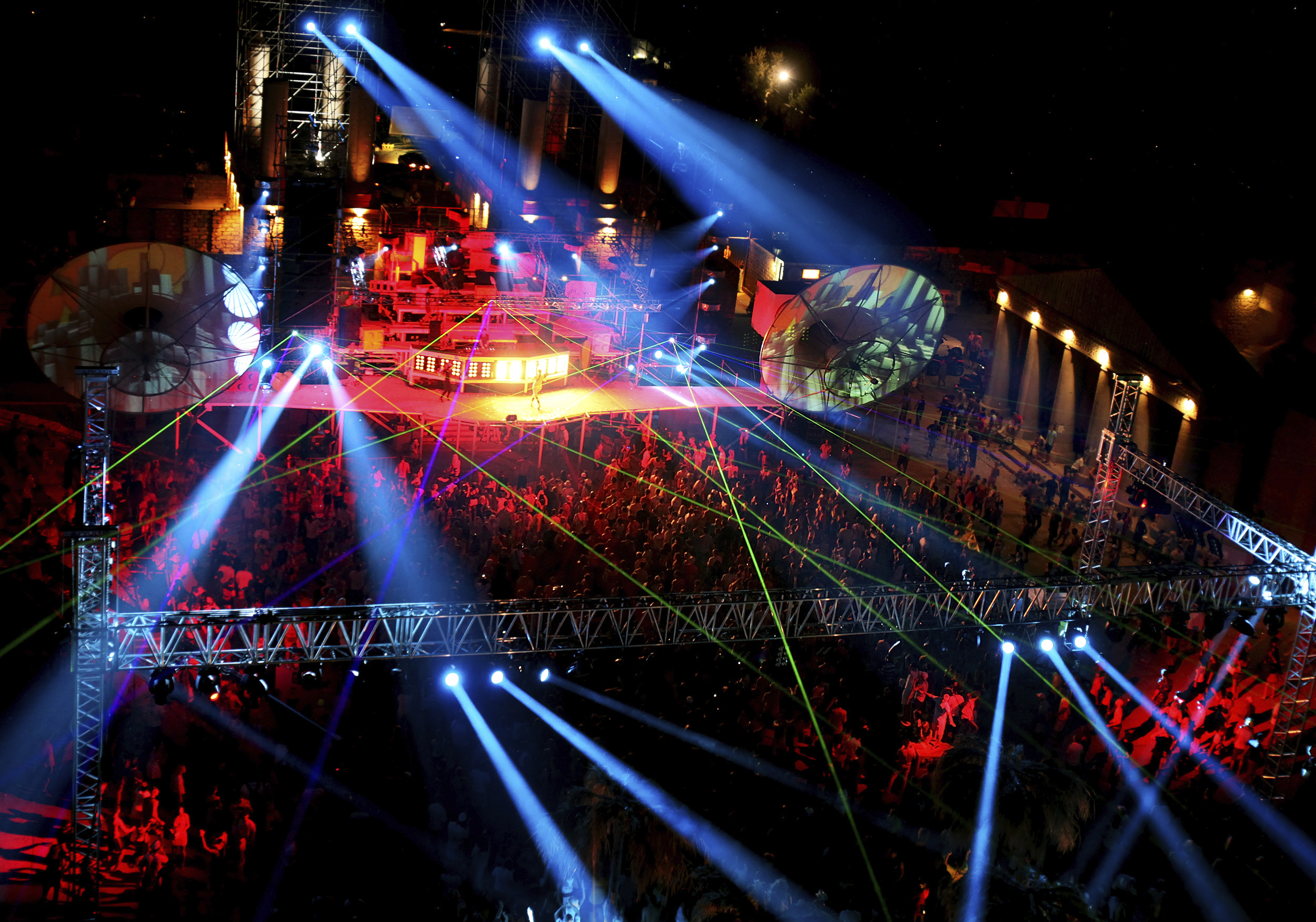 Want to get the best sonic quality at outdoor concerts