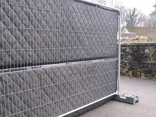 Noise Barrier on Temporary Fence for Construction Site