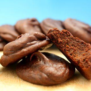 Cookie de Abacate e Cacau (Vegano, Sem Glúten, Sem Açúcar Refinado)