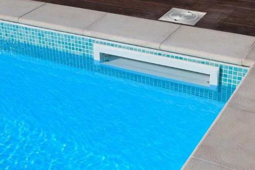 Tipi di bordo piscine interrate bordo a skimmer
