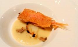 triglia-in-crosta-di-pane-zuppetta-di-cipolla-bianca-al-sale-capperi-olive-taggiasche