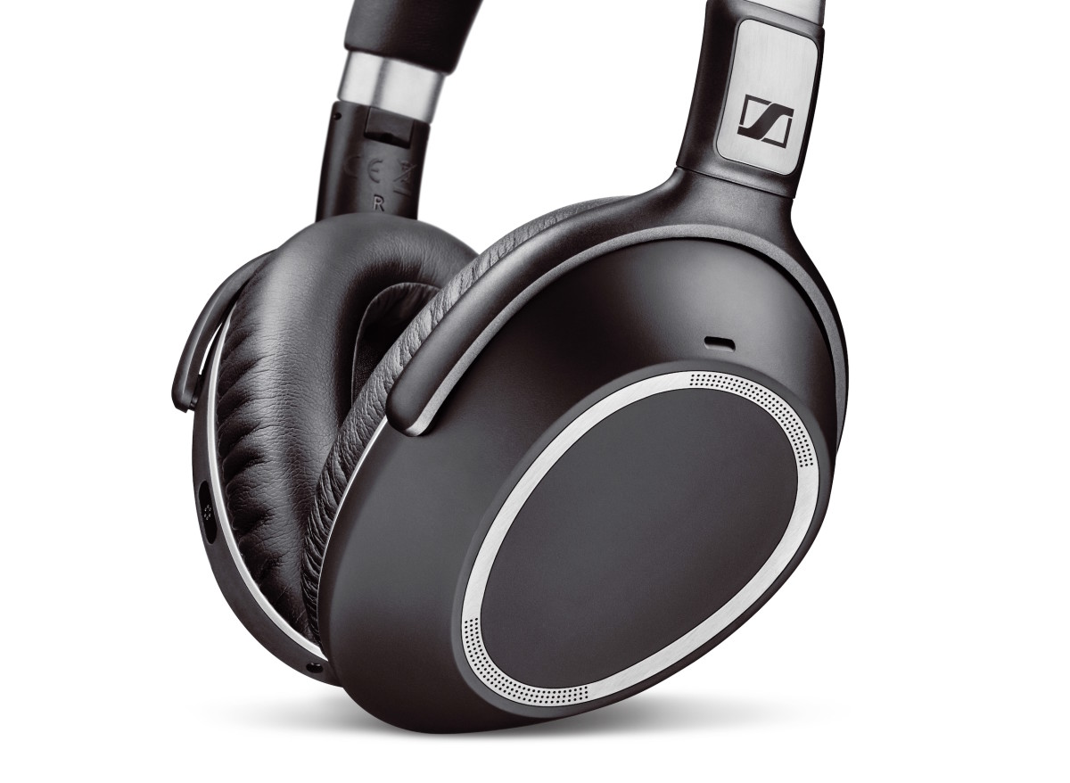 Sennheiser's PXC 550 keeps the music playing for hours and hours - Acquire
