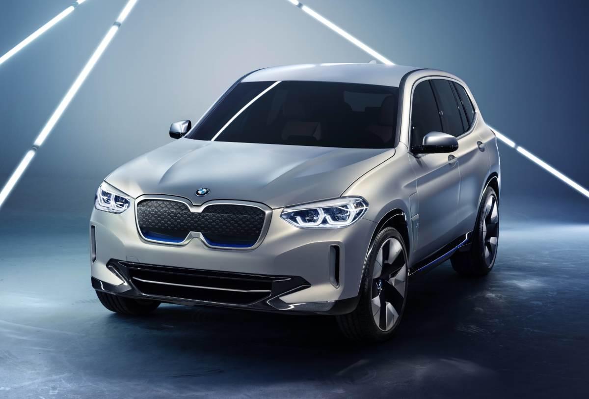 Hergestellt wurden die karosserien in der damals gebräuchlichen. BMW gives the X3 an all-electric update - Acquire